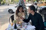 Á hậu Thanh Tú và đại gia hơn 16 tuổi ăn uống vỉa hè kỷ niệm 2 năm kết hôn