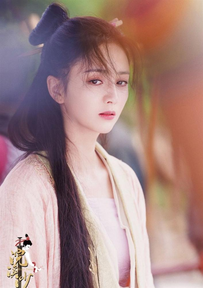 Đồng Lệ Á hóa thân thành Tây Thi, netizen ca tụng: Không hổ danh đệ nhất mỹ nữ Tân Cương-1