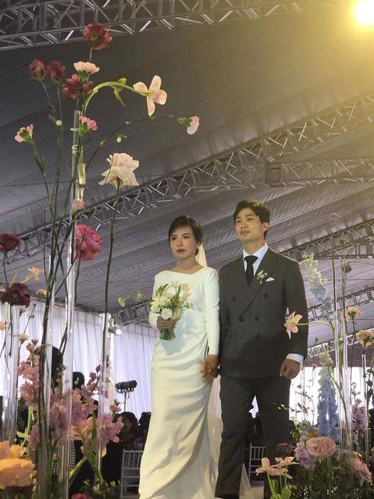 Hé lộ bức ảnh cưới hiếm hoi nhưng cực chất của Công Phượng - Viên Minh-2