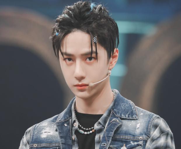Vương Nhất Bác bị nghi lợi dụng Trần Tình Lệnh để đua top bình chọn diễn viên nam ở báo Trung-1