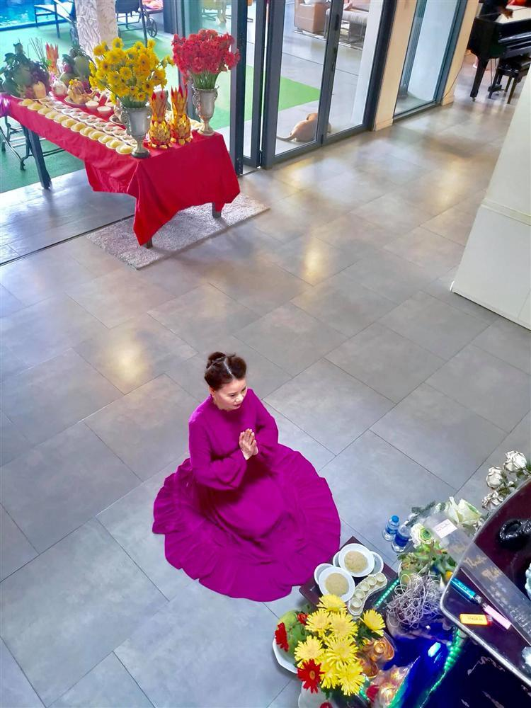 Mẹ Hồ Ngọc Hà hé lộ lễ cúng đầy tháng 2 cháu ngoại-1