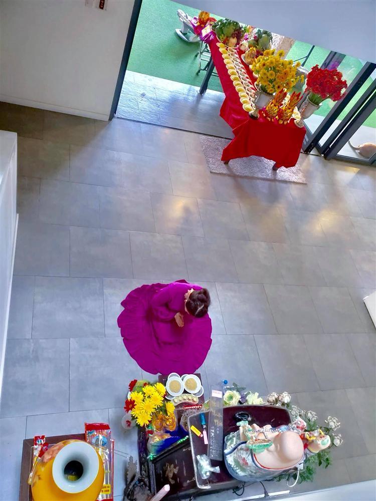 Mẹ Hồ Ngọc Hà hé lộ lễ cúng đầy tháng 2 cháu ngoại-2