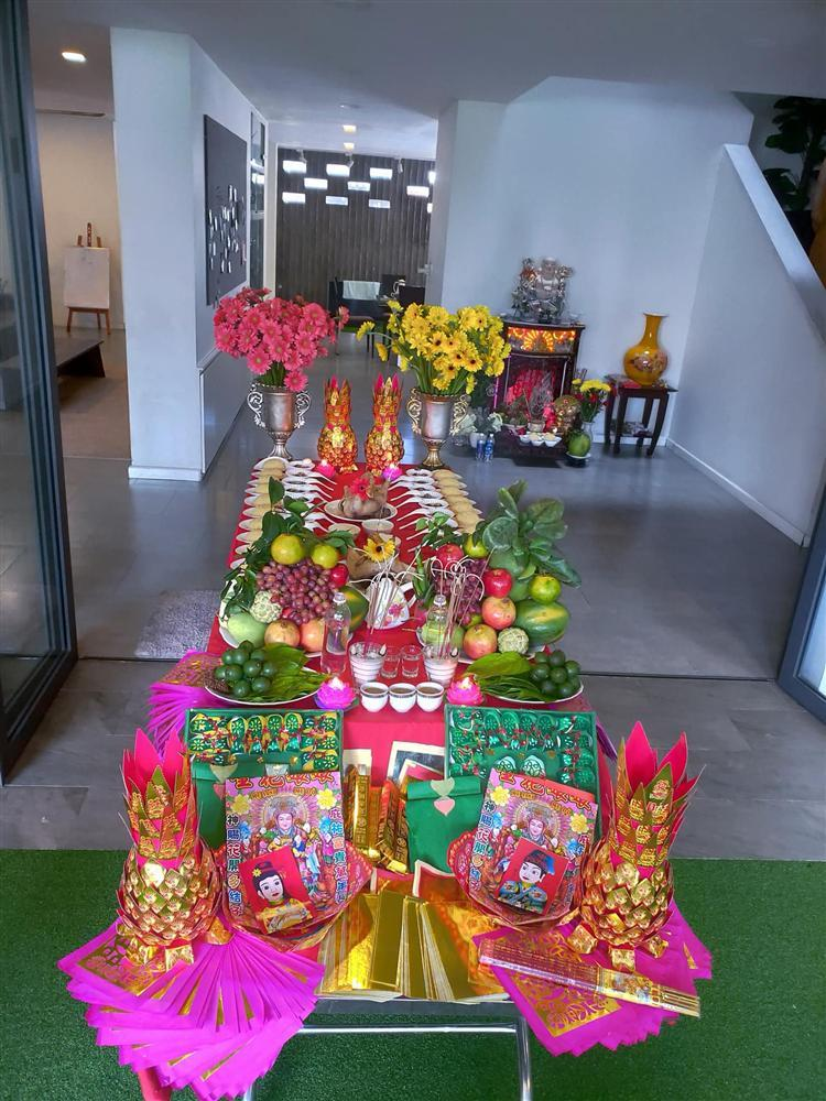 Mẹ Hồ Ngọc Hà hé lộ lễ cúng đầy tháng 2 cháu ngoại-3