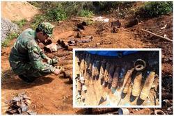 Đào móng xây nhà, người dân tá hỏa phát hiện số lượng 'khủng' bom mìn, lựu đạn