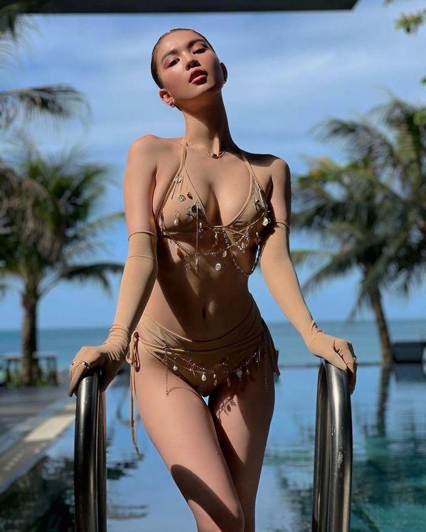 Ngọc Trinh diện bikini nude nhìn thoáng tưởng không mặc gì-6