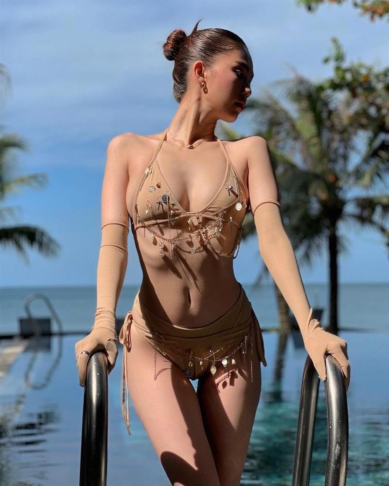 Ngọc Trinh diện bikini nude nhìn thoáng tưởng không mặc gì-5