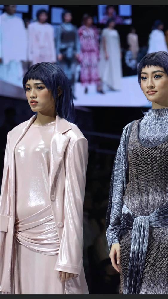 Lương Thùy Linh - Trần Tiểu Vy - Đỗ Thị Hà gây tranh cãi với màn catwalk thảm họa-11