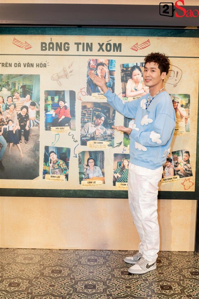 Trấn Thành không mời nhưng Hari Won vẫn đội nón lá, mang túi Chanel fake đến họp báo phim Bố Già-6