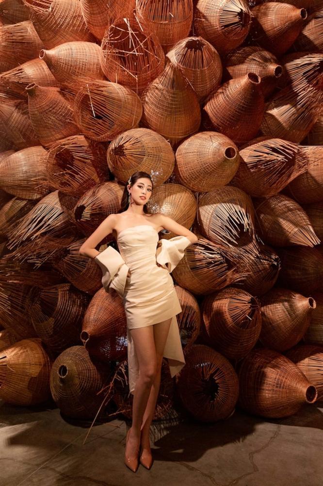 Đụng váy Hoa hậu Khánh Vân, Á hậu Ngọc Thảo thua toàn tập vì tạo dáng mờ nhạt-5