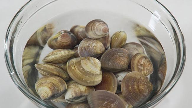 Món canh rong biển nấu ngao thơm ngon giúp chị em thổi bay cái lạnh của mùa đông-3
