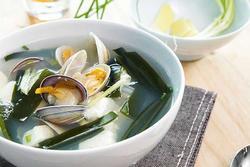 Món canh rong biển nấu ngao thơm ngon giúp chị em thổi bay cái lạnh của mùa đông