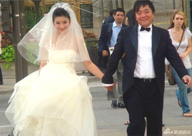 Tiểu Yến Tử Huỳnh Dịch không còn ai theo đuổi sau 2 lần ly hôn-2