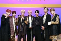 BTS bỗng được netizens khen lấy khen để giữa tranh chấp Hàn - Trung về Hanbok