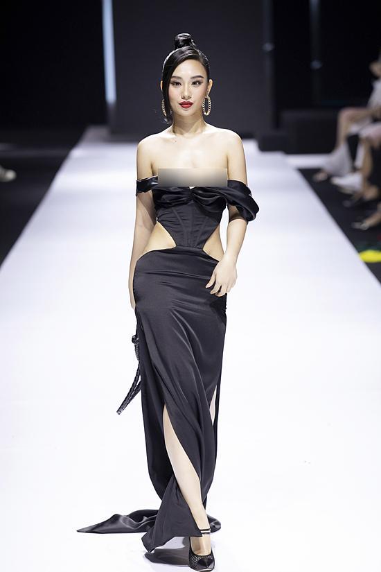 Hoa hậu lên tiếng vì sự cố nhạy cảm khi đang diễn ở Tuần lễ thời trang-1