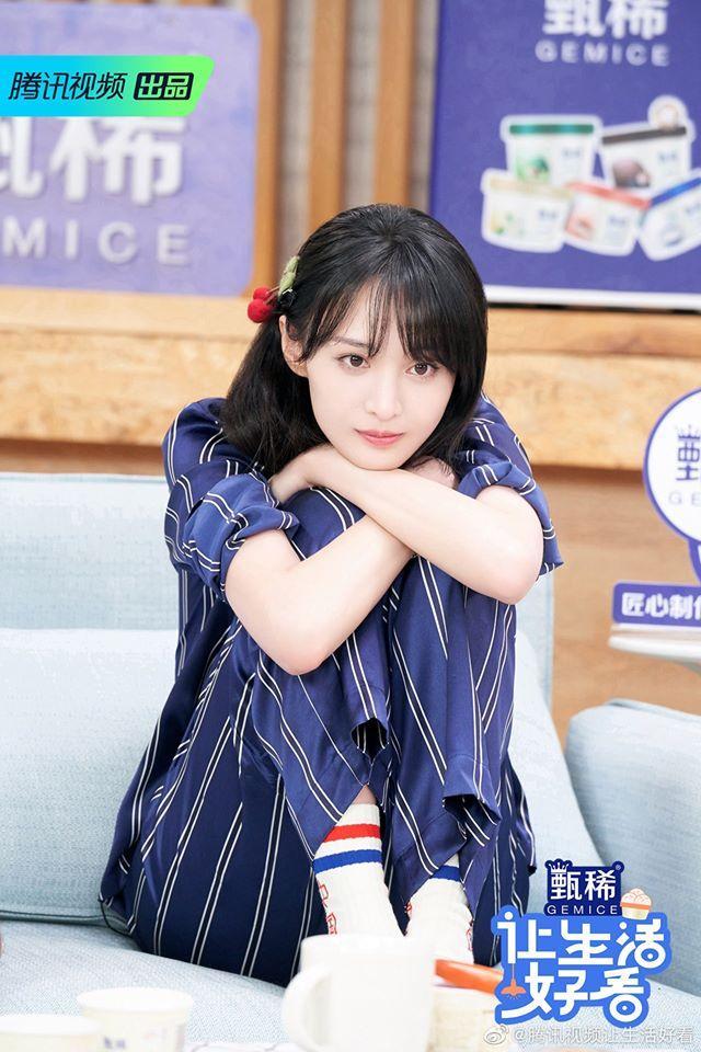 Trịnh Sảng đọc tiếng Anh sai lè, netizen cãi nhau là đáng yêu hay dốt mà còn che giấu-3
