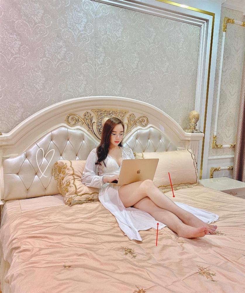 Hot girl ngủ gật khoe ảnh giường chiếu nóng rẫy nhưng đôi chân cong queo mới choáng-3