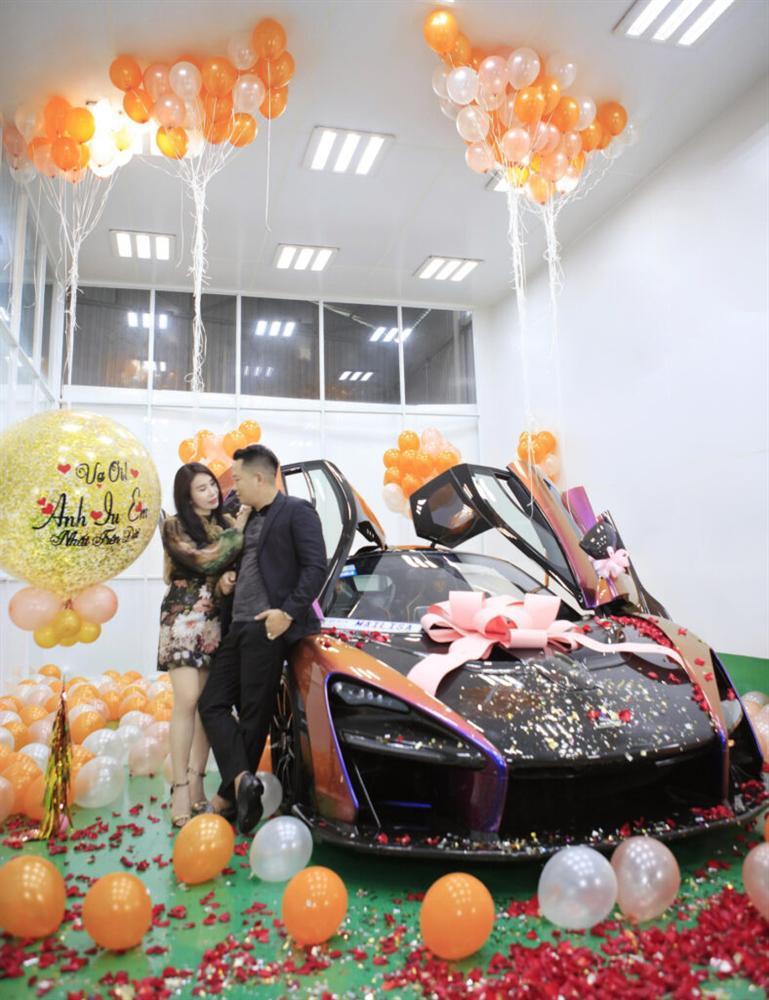 Choáng váng nhìn đại gia Sài Gòn một năm tậu 2 siêu xe hơn 100 tỷ tặng vợ-3