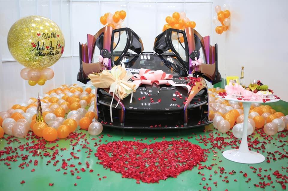 Choáng váng nhìn đại gia Sài Gòn một năm tậu 2 siêu xe hơn 100 tỷ tặng vợ-4
