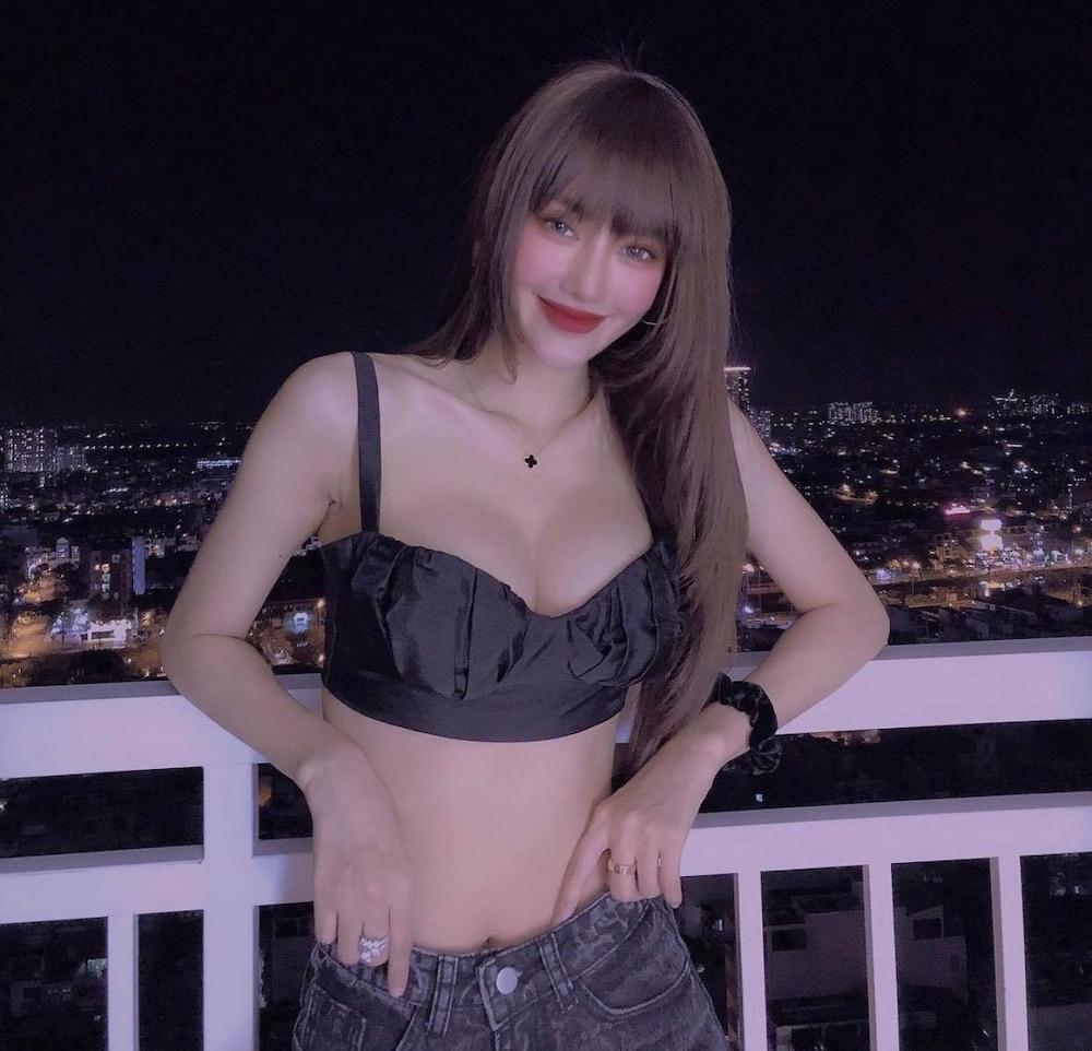 Linh Chi nâng ngực khủng vẫn bị fan chê không phù hợp-4