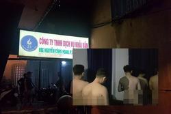 Đột kích 'động' đồng tính nam ở Phú Nhuận, bắt quả tang 33 đàn ông khỏa thân