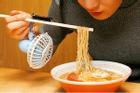 Cuộc đời được khai sáng nhờ các phát minh nhìn tưởng 'dị', ngờ đâu giúp việc ăn uống 'sướng rơn'