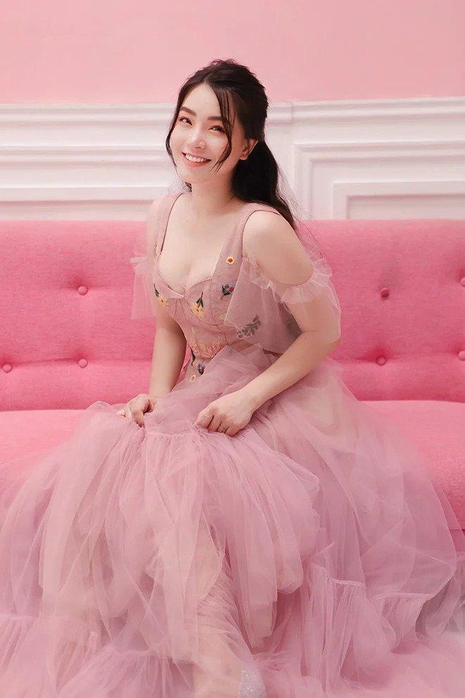 Hội mỹ nhân Việt 3 con sở hữu gu thời trang trẻ trung như gái đôi mươi-2