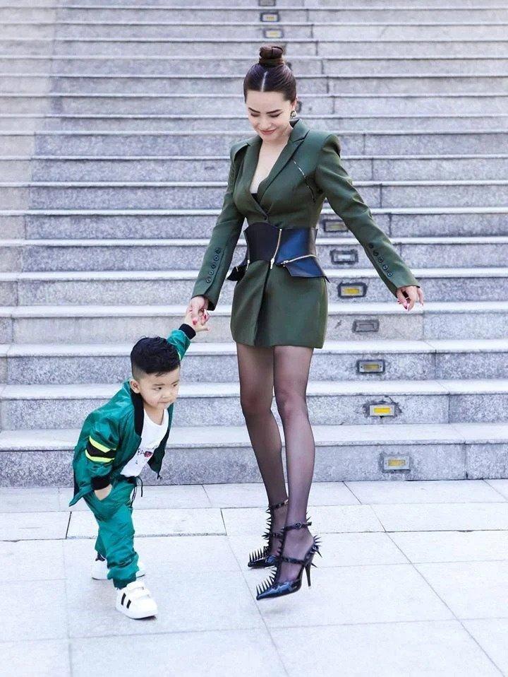 Hội mỹ nhân Việt 3 con sở hữu gu thời trang trẻ trung như gái đôi mươi-1