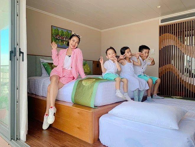 Hội mỹ nhân Việt 3 con sở hữu gu thời trang trẻ trung như gái đôi mươi-6