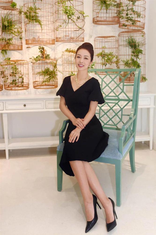 Hội mỹ nhân Việt 3 con sở hữu gu thời trang trẻ trung như gái đôi mươi-9