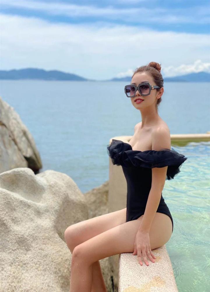 Hội mỹ nhân Việt 3 con sở hữu gu thời trang trẻ trung như gái đôi mươi-11