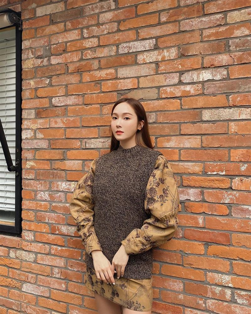 Style sao Hàn tuần qua: HyunA khoe thân phản cảm, nàng Dae Jang Geum đầy khí chất dù U50-9