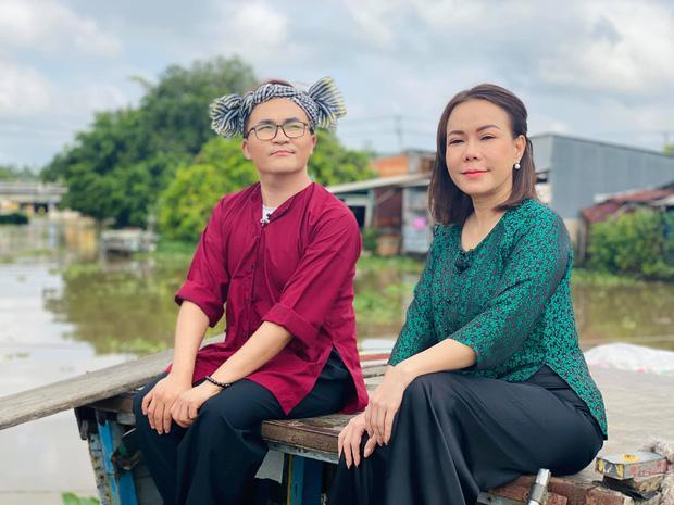 Việt Hương quay lại làm việc với đôi mắt sưng húp sau 1 ngày đưa tiễn cố nghệ sĩ Chí Tài-2