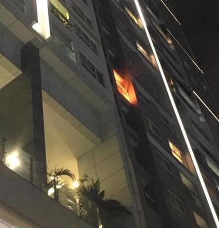 Trang Trần tá hỏa khi chung cư cháy, con gái theo vú em tháo chạy-3