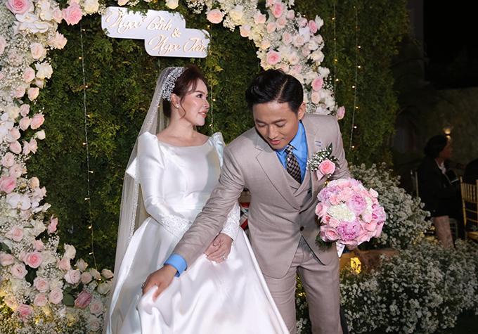 Vợ đại gia hé lộ ảnh cưới studio nét căng với Quý Bình-8