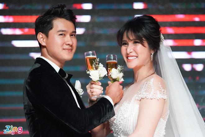 Thảo Trang thông báo có thai 5 tháng-1