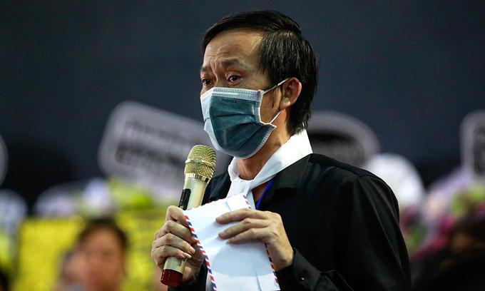Thực hư Hoài Linh lâm bệnh trong lúc lo liệu tang lễ nghệ sĩ Chí Tài-1