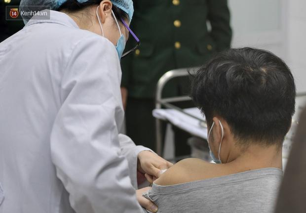 Sức khoẻ 3 tình nguyện viên đầu tiên tiêm vaccine Covid-19 của Việt Nam ra sao?-1