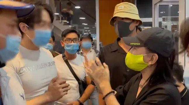 Cát Phượng công khai xin lỗi NSND Việt Anh nhưng vẫn bị nhắc nhở-1