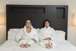 Nếu nhà bạn có đầu giường kiểu này, tiền bạc chẳng mấy chốc 'hông cánh mà bay'