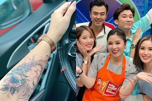 Lần hiếm hoi MC Hoàng Linh để lộ hình xăm hổ báo khi ghi hình-3