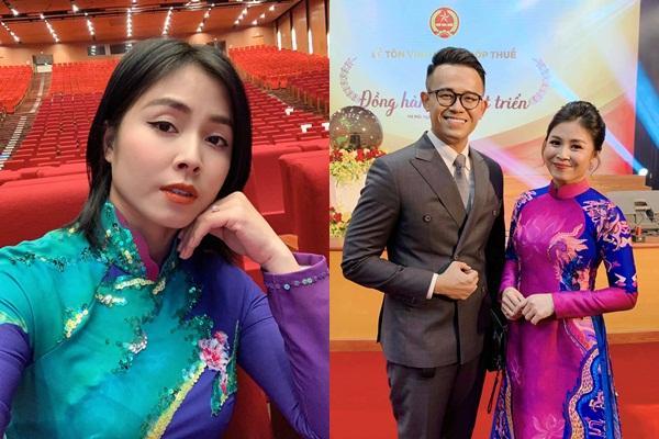 Lần hiếm hoi MC Hoàng Linh để lộ hình xăm hổ báo khi ghi hình-7