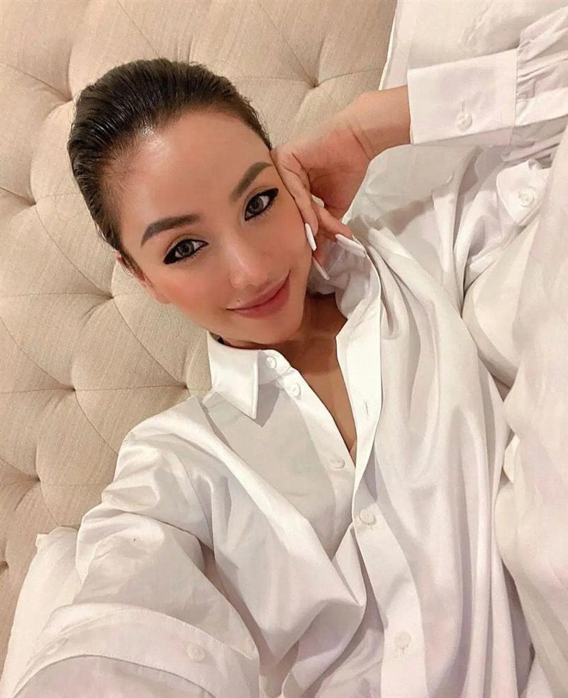 Hot girl ăn chơi số 1 Sài thành khoe chồng Việt kiều cưng chiều như trứng mỏng-1