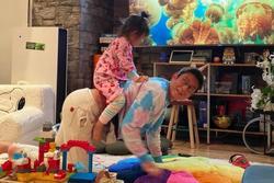 Trần Quán Hy từ 'sát thủ tình trường' hóa ông bố cuồng con