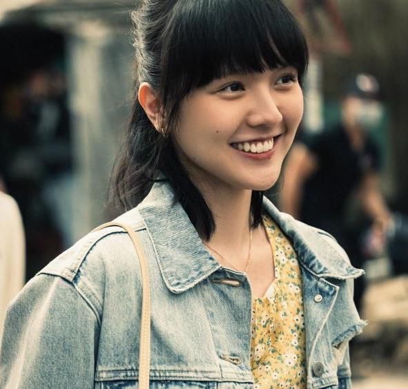 Nhan sắc đẹp không góc chết của nàng thơ khiến Sơn Tùng say mê trong MV mới-1