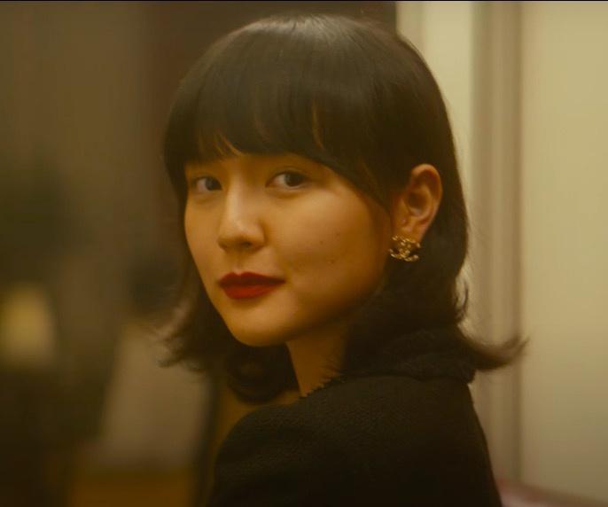 Nhan sắc đẹp không góc chết của nàng thơ khiến Sơn Tùng say mê trong MV mới-3