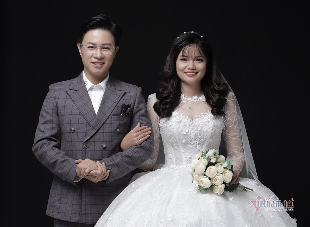 MC Lê Anh bất ngờ làm đám cưới với thạc sĩ du lịch kém 10 tuổi-1