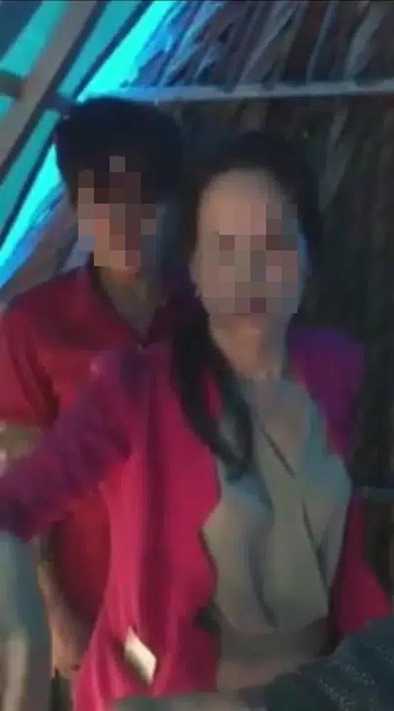 Clip đánh ghen cực căng: Chồng bắt vợ đang cùng phi công hùn tiền làm cho có em bé-3