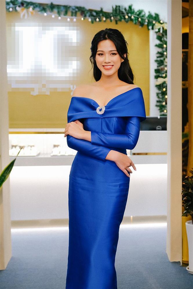 Hơn Hoa hậu Đỗ Thị Hà 16 tuổi, Hari Won đẹp chẳng kém cạnh khi đụng hàng-2