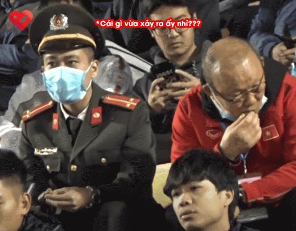 Khoảnh khắc tặng socola cực đáng yêu của HLV Park Hang Seo đốn tim dân mạng-3