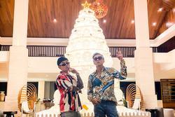 Người người nhà nhà dắt người yêu mừng Giáng sinh, Binz tình tứ cùng người khác không phải Châu Bùi?
